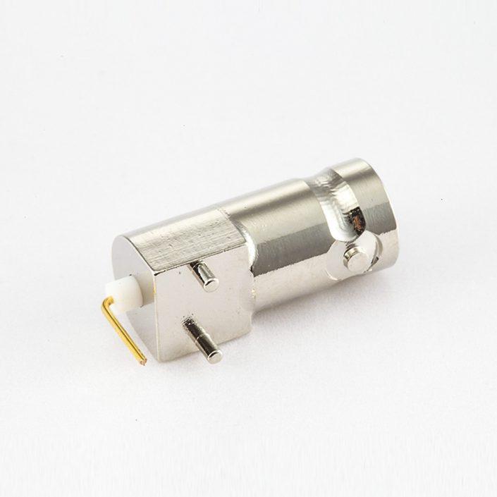 BNC母头连接器用于PCB安装母弯式直插50ohm
